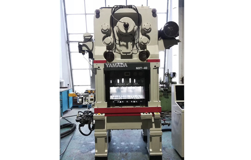 Japan YAMADA punch machine with JoeSure high-speed gripper feeder
